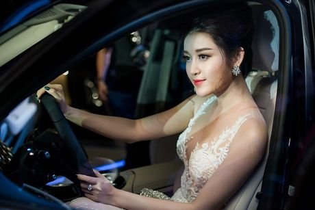 Huyen My hung ho vong 1, ngoi xe hop tien ty di su kien - Anh 6