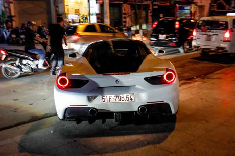 'Loa mat' truoc dan sieu xe toan Lamborghini tu hoi tai Sai Gon - Anh 10