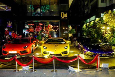 'Loa mat' truoc dan sieu xe toan Lamborghini tu hoi tai Sai Gon - Anh 3