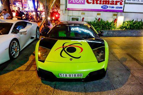 'Loa mat' truoc dan sieu xe toan Lamborghini tu hoi tai Sai Gon - Anh 7