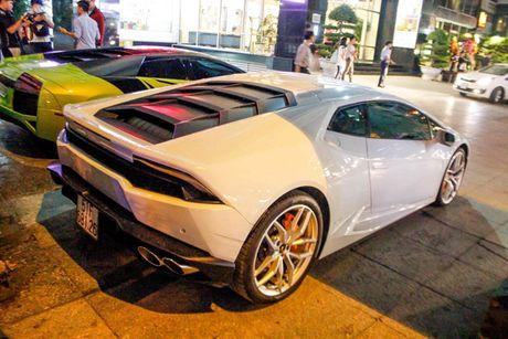'Loa mat' truoc dan sieu xe toan Lamborghini tu hoi tai Sai Gon - Anh 8