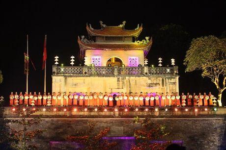 Nghe si, giai nhan Viet rang ro tray hoi ao dai Ha Noi - Anh 1