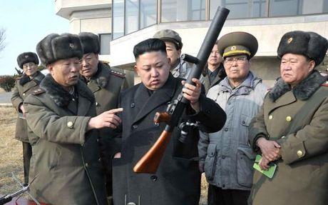 My noi Kim Jong Un tan cong hat nhan se 'chet ngay lap tuc' - Anh 1