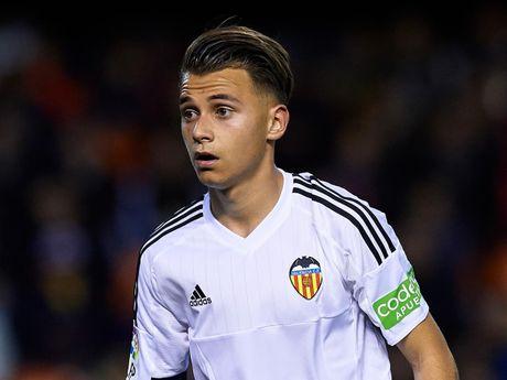 Nho Man Utd, sao tre Valencia ra yeu sach - Anh 1