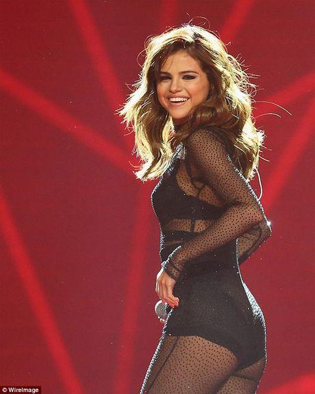 Selena Gomez dang di dieu tri tam ly - Anh 1