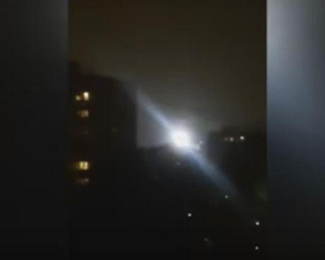 Bi an UFO sang ruc lo lung tren chung cu tai Nga - Anh 1