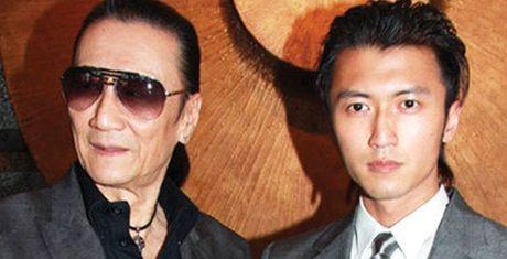Gia dinh Ta Dinh Phong: Bo trau gia, con phi cong tre - Anh 1