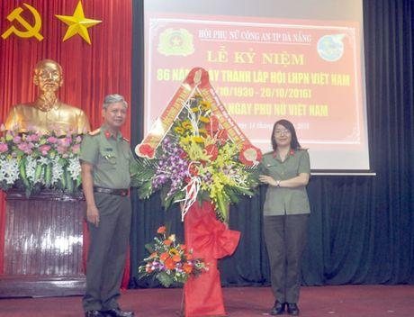 Hoi Phu nu CATP Da Nang: Sinh hoat chuyen de ky niem 86 nam Ngay truyen thong Hoi LHPN Viet Nam - Anh 1