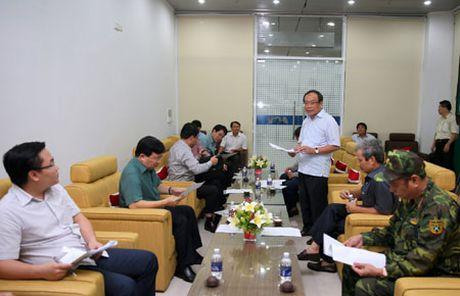Pho Thu tuong Trinh Dinh Dung chi dao khac phuc hau qua mua lu tai Thua Thien-Hue - Anh 2