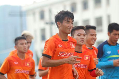 Tien Dung tap buoi dau, HLV Huu Thang thay doi ke hoach phut chot - Anh 2