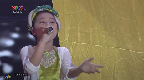 Giong hat Viet nhi 2016 liveshow 5: Gia Quy, Thao Nguyen, Khanh Ngoc dung buoc - Anh 22