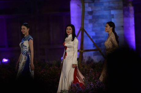 Le khai mac Festival Ao dai Ha Noi 2016: Hoi tu tinh hoa cua ve dep truyen thong Viet Nam - Anh 3