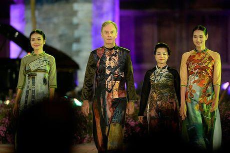 Le khai mac Festival Ao dai Ha Noi 2016: Hoi tu tinh hoa cua ve dep truyen thong Viet Nam - Anh 4