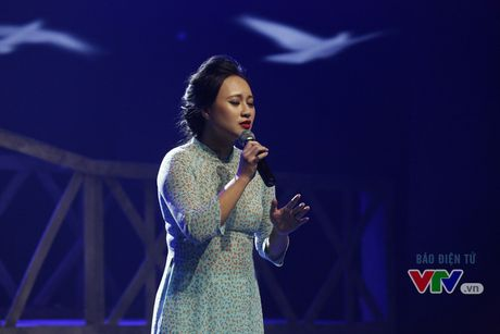 Hoa mi Khanh Linh khoe ve dep dam tham - Anh 7