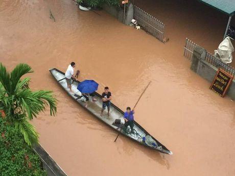 Lu lich su o Quang Binh: Chim hang ngan ngoi nha, 5 nguoi chet va mat tich - Anh 8