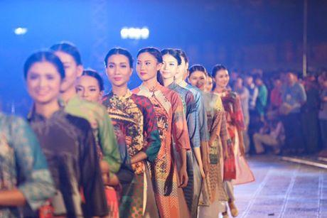 Festival Ao dai Ha Noi 2016: Lung linh sac mau truyen thong - Anh 4