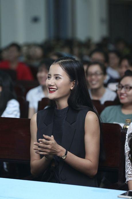 Quan quan Vietnam's Next Top Model Huong Ly 'song dep' cung sinh vien - Anh 1