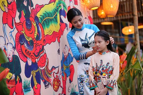 Nhung bo tac pham tuyet dep cua Hoa hau Ngoc Han trong Festival Ao dai - Anh 3