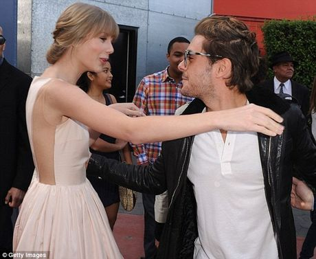Ro tin Taylor Swift hen ho voi Ben Effleck - Anh 1