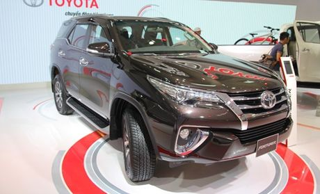 Toyota Fortuner the he moi ra mat thi truong Viet - Anh 1