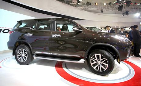 Toyota Fortuner the he moi ra mat thi truong Viet - Anh 3