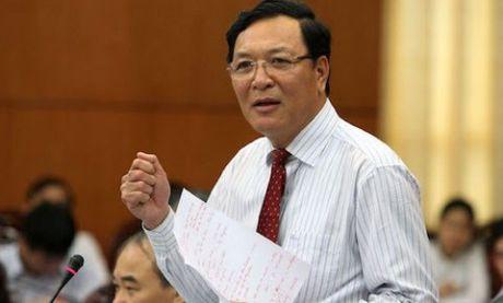 Nguyen bo truong giao duc Pham Vu Luan chuyen ve Dai hoc Thuong mai - Anh 1