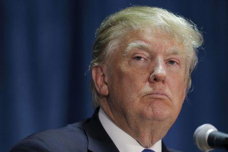 Xuat hien nhieu phu nu to ong Donald Trump xam hai tinh duc - Anh 1