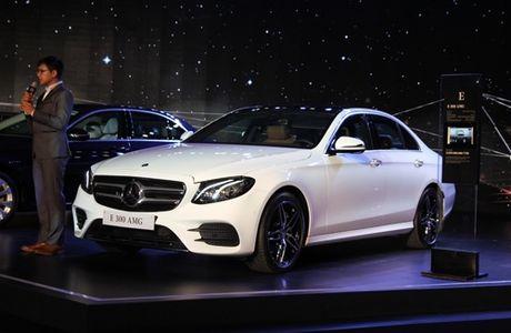 Mercedes E-class the he moi gia 2,1 ty tai Viet Nam - Anh 1