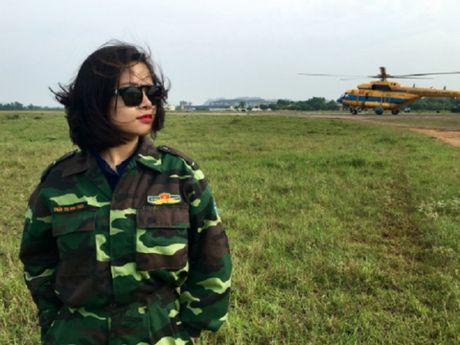 Kham phuc thieu nu Ha thanh nhay du tu may bay do cao 1.000 met - Anh 1