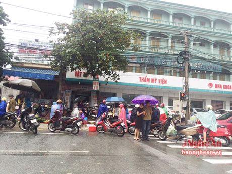 Mua lon, Thanh pho Vinh ngap sau ca met - Anh 12