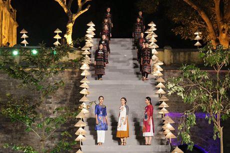 Festival Ao dai Ha Noi: Khong chi la thoi trang ma con la cau chuyen van hoa - Anh 5