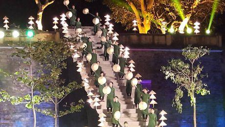 Festival Ao dai Ha Noi: Khong chi la thoi trang ma con la cau chuyen van hoa - Anh 7