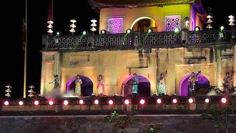 Festival Ao dai Ha Noi: Khong chi la thoi trang ma con la cau chuyen van hoa - Anh 8