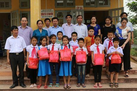Hoa Binh: CD dong hanh cung Nong dan xay dung Nong thon moi - Anh 2