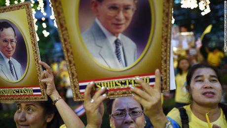 Kinh te Thai Lan co the chung lai sau khi nha vua bang ha - Anh 1