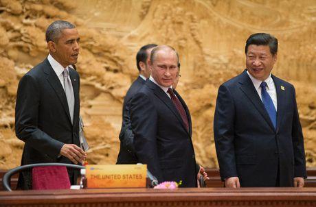 Tap Can Binh va Vladimir Putin: moi tinh huynh de nong duom - Anh 1