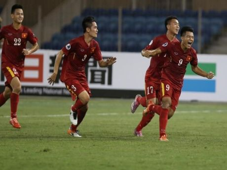 VCK U-19 chau A: Viet Nam tao con 'dia chan' - Anh 1