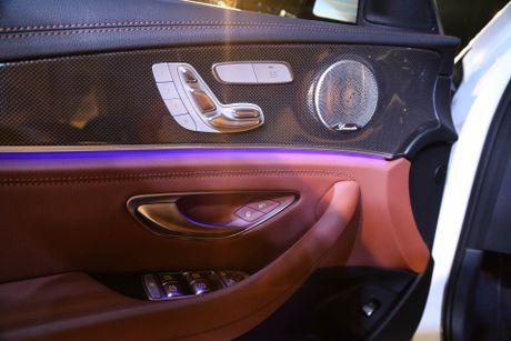 Chi tiet Mercedes E300 AMG gia tren 3 ty vua ra mat tai VN - Anh 11