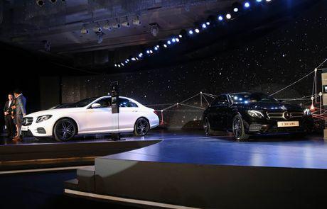 Chi tiet Mercedes E300 AMG gia tren 3 ty vua ra mat tai VN - Anh 14