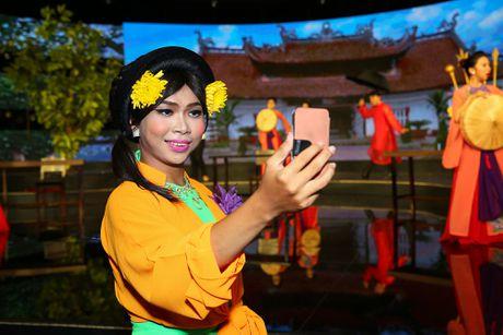 Dai Nghia lam 'co Tham' loe loet tren truyen hinh - Anh 6