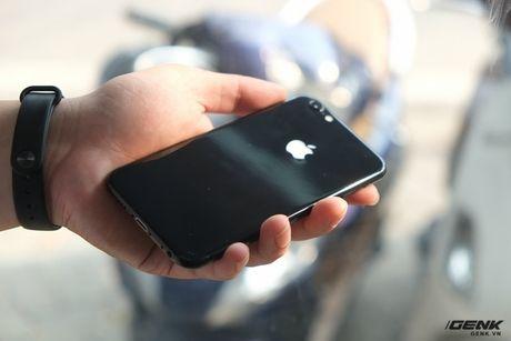 Thu thuat don gian bien iPhone thuong thanh ban den bong (Jet Black) - Anh 1
