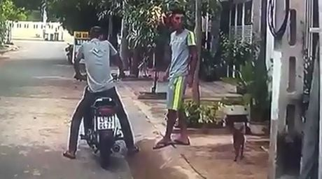Da Nang: Hai thanh nien than nhien trom cho bang tay khong - Anh 1