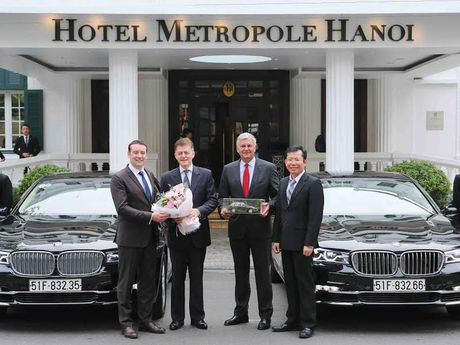 Sofitel Legend Metropole Hanoi nhan lo 8 xe sang BMW Series 7 - Anh 1