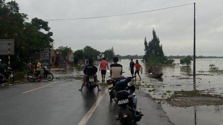 Toan canh tran lu lut lich su dang dien ra tai Quang Binh - Anh 7