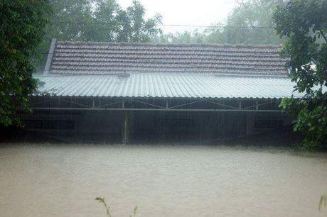 Toan canh tran lu lut lich su dang dien ra tai Quang Binh - Anh 9