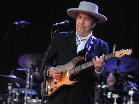 Tranh cai Bob Dylan co xung voi Nobel Van hoc - Anh 1