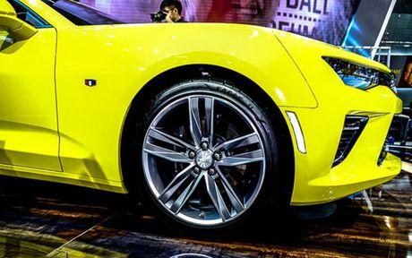 Chiem nguong Camaro SS 2016 cua hang xe My vua ra mat tai VN - Anh 11