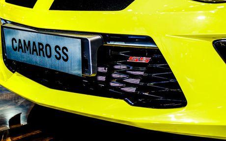 Chiem nguong Camaro SS 2016 cua hang xe My vua ra mat tai VN - Anh 13
