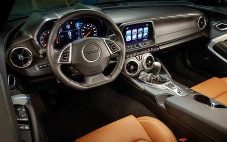 Chiem nguong Camaro SS 2016 cua hang xe My vua ra mat tai VN - Anh 9