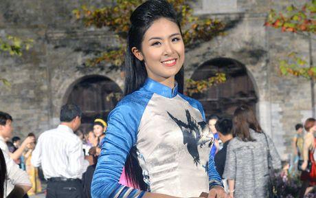 Ngoc Han duyen dang tai Festival ao dai Ha Noi - Anh 2